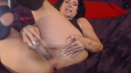 Naughty mother is looking for delicious throbbing cock
