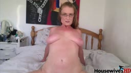 British old sexy lady Ruby Rockit will make your day