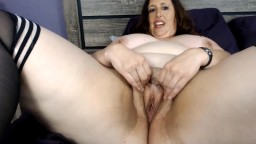 Curvy mommy Carlene cums hard and without a limits