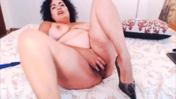 Sultry Canadian mother Lola plays with unshaved pussy