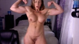 Muscle goddess who loves to pose and flex her biceps