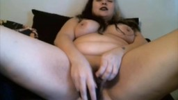 Curvaceous buxom nympho Maggie bangs phat pussy