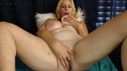 Incredible curvy wife Darla Dahl with huge naturals