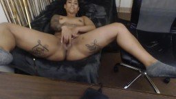 Tattooed black cutie Lyric Rayne with fuckable face