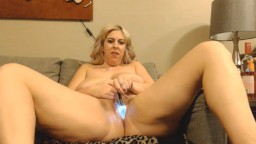 Moaning blonde BBW Becca Moore is ready to cum 4u