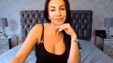 Naughty British housewife Gigi with DSL Lips and perfect big tits