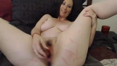 Curvaceous MILF Ravensundance fucks her hot pink perfection