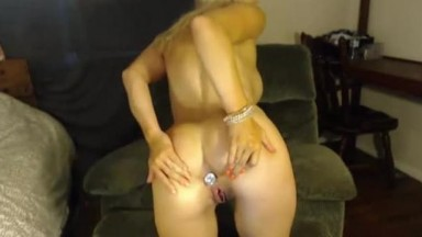 Incredibly horny cougar LittleLilly doing anything to cum