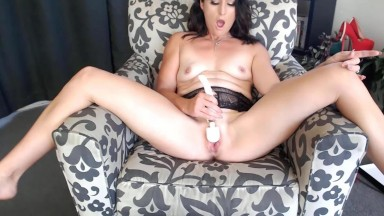 Loud moaning Sienna is ready to serve dicks spreading legs