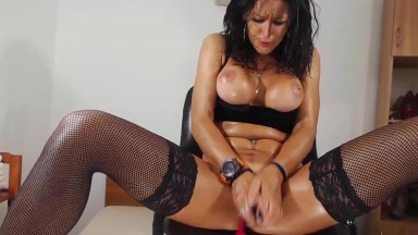 Italian bad girl Anny Skye in sexy stockings squirts pierced cunt