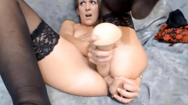 Sexy british mommy Harley gets kinky using huge sized cock