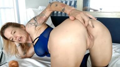 Sissy mama Selena wants to show off u her fit tattooed body