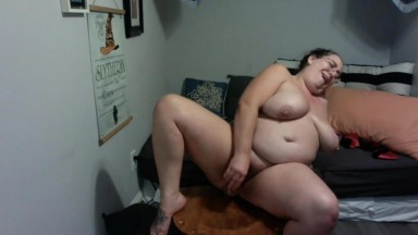 Big ass delicious Cupcake has time to enjoy her magic wand