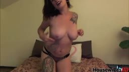 Tattooed hipster milf Kora with delicious pink pussy