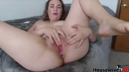 Curvy MILF SkyMagick masturbates and gets creamy orgasm