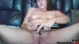 Real cougar bbw Betty BlazeXXX spread her legs
