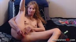 Mature Savannah Allure does blowjob and fucks tight ass
