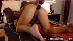 Muscular blonde housewife with dirty talks and big clit